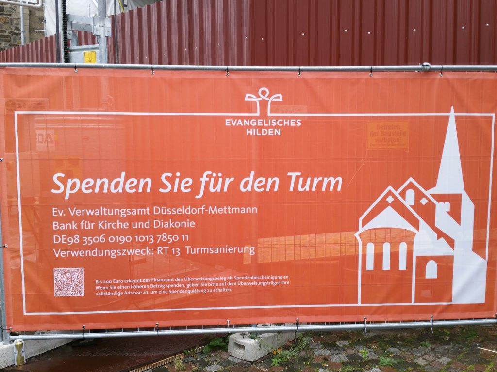Spendenbanner für den Turm der Reformationskirche