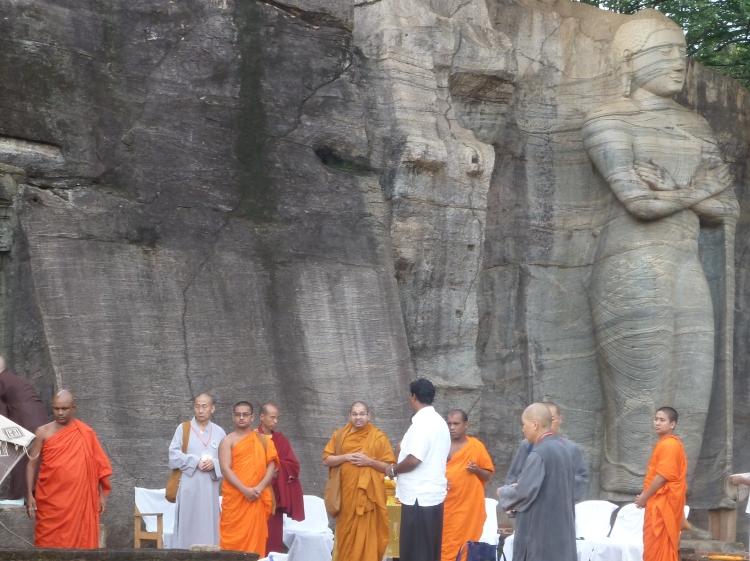 Sri Lanka, Mönche im Tempel
