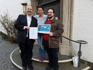 Medienpreis für evangelisches-hilden.de v.l.n.r. Thorolf Haas, Isabell Orgassa, Henning Rothkegel
