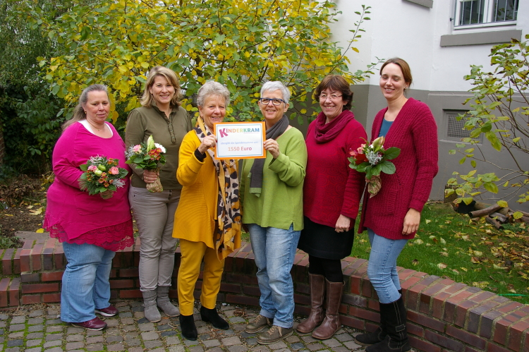 v.l.n.r. Stefanie Stauf, Katrin Geheb, Anne de Wendt, Nicole Kagerer, Annette Braun-Wolf und Jessica Merten