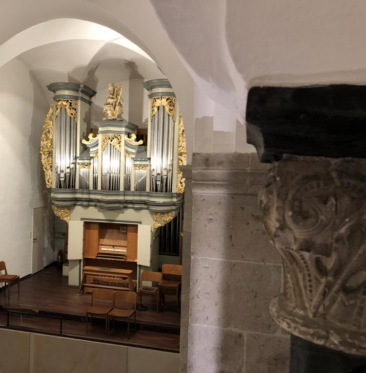 Schuke-Orgel der Reformationskirche Hilden von der Seitenempore aus gesehen