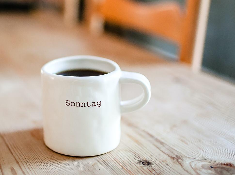 """Kaffeetasse mit Aufschrift """"Sonntag"""""""