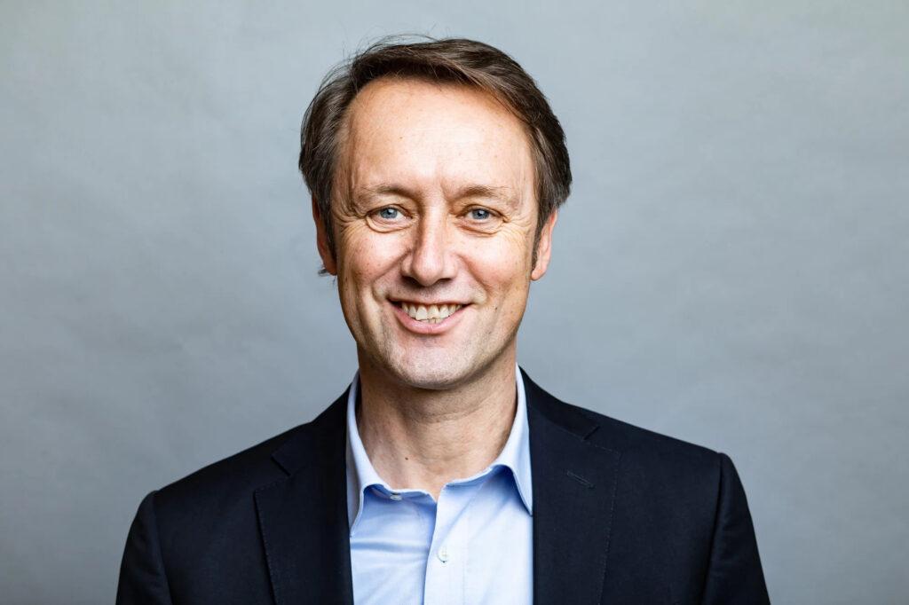 Portraitbild von Roland Schüren